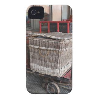 Equipaje y cesta de mimbre - gama del vintage carcasa para iPhone 4 de Case-Mate
