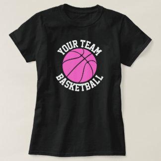 Equipo de baloncesto, jugador y camisetas rosados