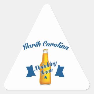 Equipo de consumición de Carolina del Norte Pegatina Triangular