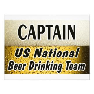 Equipo de consumición de la cerveza nacional de lo invitaciones personalizada
