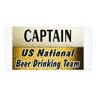 Equipo de consumición de la cerveza nacional de lo tarjetas fotográficas