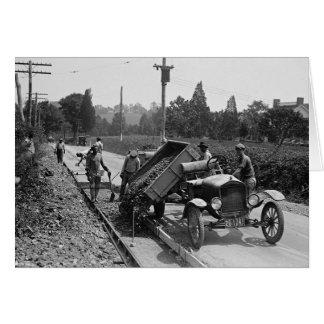 Equipo del camino en el trabajo, 1925 tarjeta de felicitación