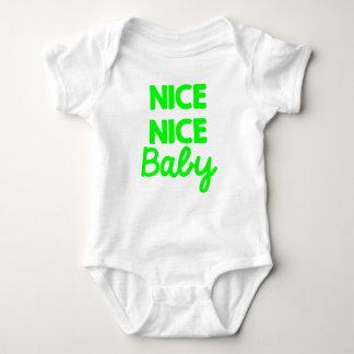 Equipo unisex Niza del verde agradable del bebé Body Para Bebé