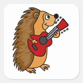 Erizo lindo que juega arte de la guitarra pegatina cuadrada