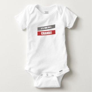 Es hora para un bebé del cambio crece body para bebé