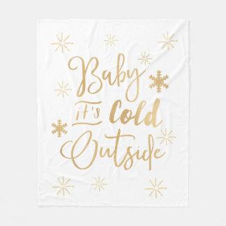 Es manta exterior fría del día de fiesta