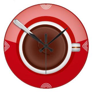 Es reloj de pared del tiempo del café alrededor