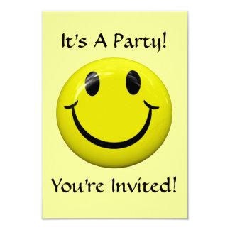¡Es un fiesta! Invitación feliz de la cara Invitación 8,9 X 12,7 Cm