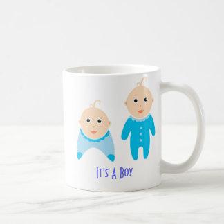 Es un muchacho: Taza recién nacida del bebé