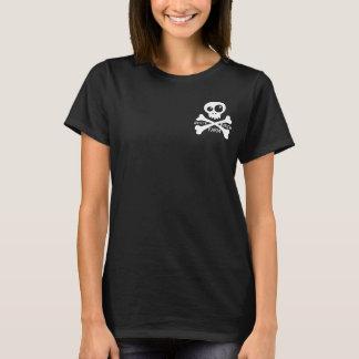 Es una camiseta de la cosa del pirata