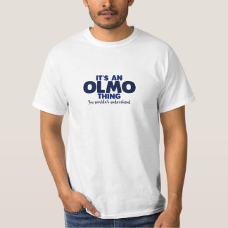 Es una camiseta del apellido de la cosa de Olmo