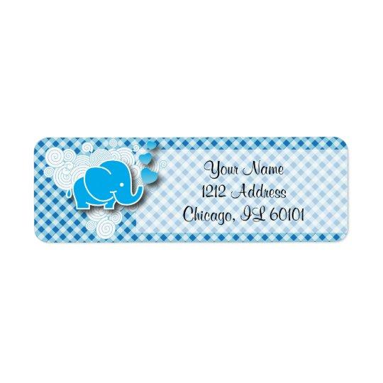 Es una tela escocesa del muchacho, azul y blanca etiqueta de remitente