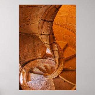 escalera espiral torcida portugal pster