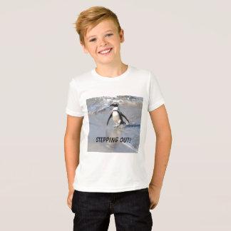 ¡Escalonamiento hacia fuera!  Penquin Camiseta