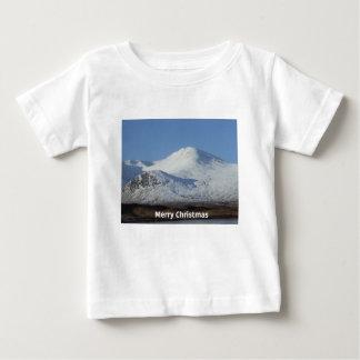 escena del invierno del navidad camiseta de bebé