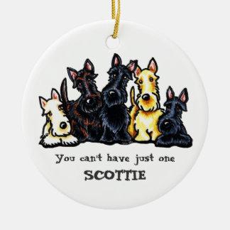 Escocés cinco personalizado adorno redondo de cerámica