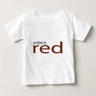 escrito en rojo camiseta