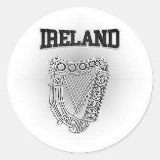 Escudo de armas de Irlanda Pegatina Redonda