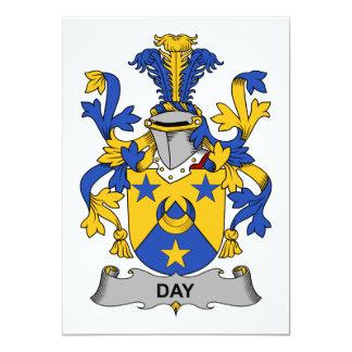 Escudo de la familia del día invitaciones personales