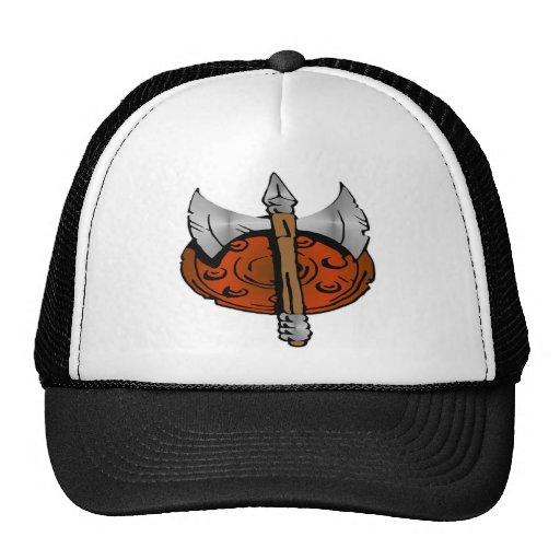 Escudo de Viking y hacha de la batalla Gorra