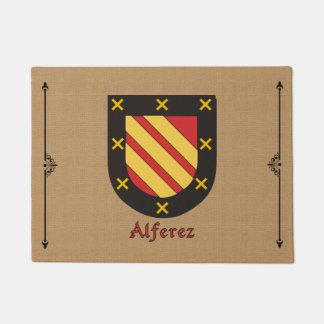 Escudo histórico de Alferez en fondo de la