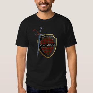 Escudo y espada escoceses del tartán de MacGregor Camisetas