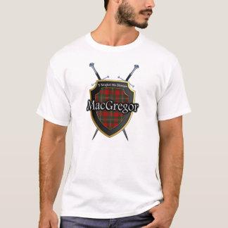 Escudo y espadas escoceses del tartán de MacGregor Camiseta