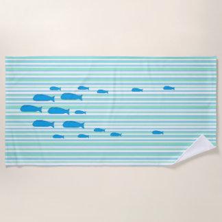 Escuela del azul y del verde de mar de la toalla