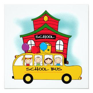 Escuela y camisetas y regalos del autobús escolar invitación 13,3 cm x 13,3cm