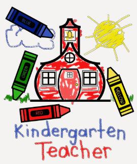 Escuela y creyón de la camisa del maestro de jardí