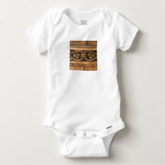 escultura de madera del panel body para bebé