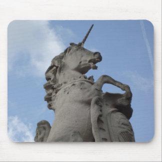 Escultura del unicornio alfombrilla de ratón