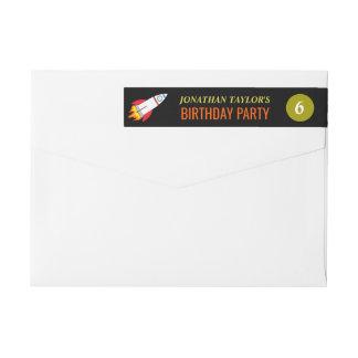 Espacio Rocket al cumpleaños de los niños de luna Etiquetas Postales