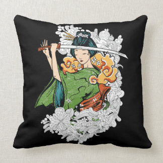 Espada que maneja la almohada del geisha