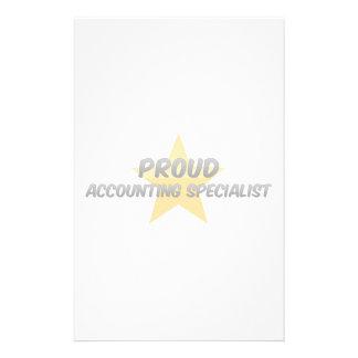 Especialista orgulloso de la contabilidad papeleria personalizada