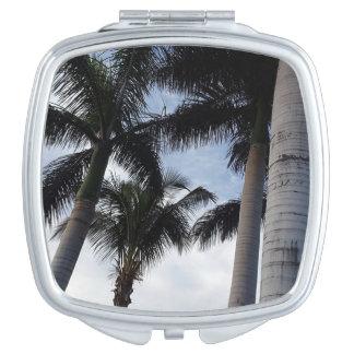 Espejo compacto de las palmeras de Tenerife