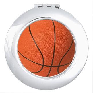 Espejo compacto del baloncesto