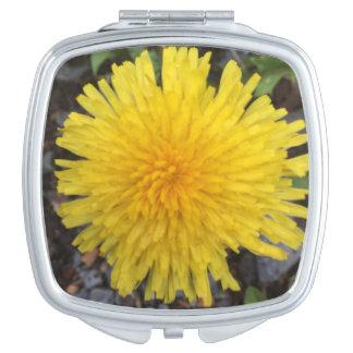 Espejo Compacto Diente de león amarillo salvaje en verano