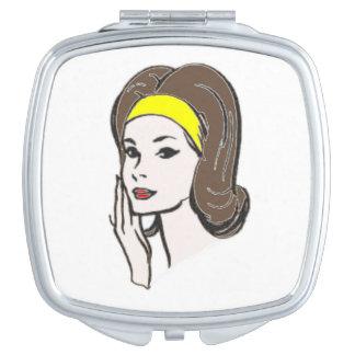 Espejo compacto, señora, fasion retro de los años espejos de viaje