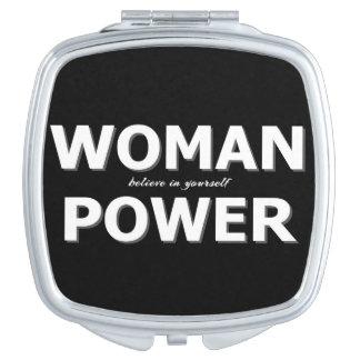 Espejo De Viaje Tipografía moderna del poder de la mujer