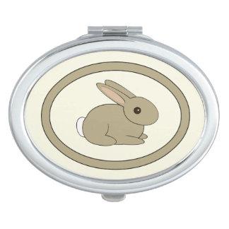 Espejo oval del conejito