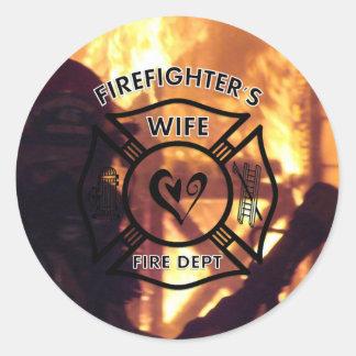 Esposa de los bomberos pegatina redonda