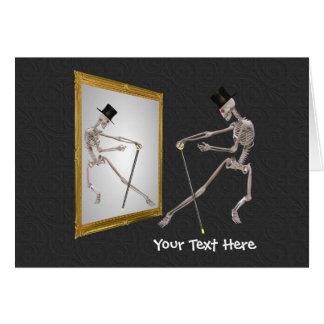 Esqueleto del baile en tarjeta divertida de la fot