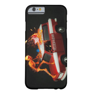 Esqueleto del coche de bomberos funda barely there iPhone 6