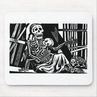 Esqueletos de la madre y del niño por Leopoldo M Tapete De Ratón