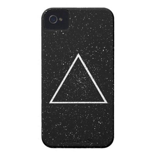 Esquema blanco del triángulo en fondo negro de la  Case-Mate iPhone 4 protectores