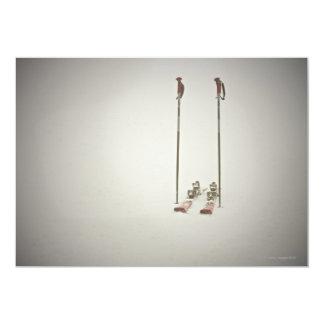 Esquís y postes vacíos invitación 12,7 x 17,8 cm