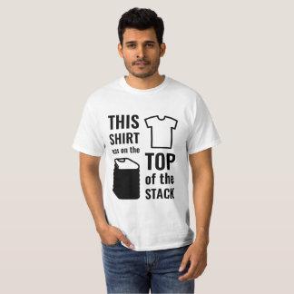 Esta camisa estaba en el top de la pila - luz