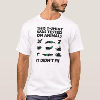 Esta camiseta fue probada en los animales, él no
