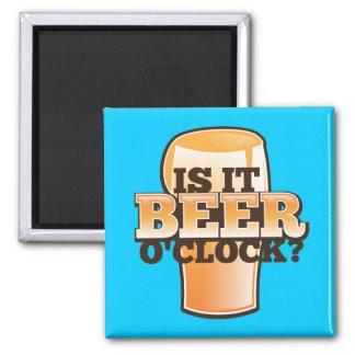 Está diseño relacionado tiempo del alcohol del en imanes de nevera